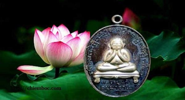 Phật bịt mắt Thái Lan – Bùa hộ mệnh đem may mắn bình an, hóa giải bùa chú