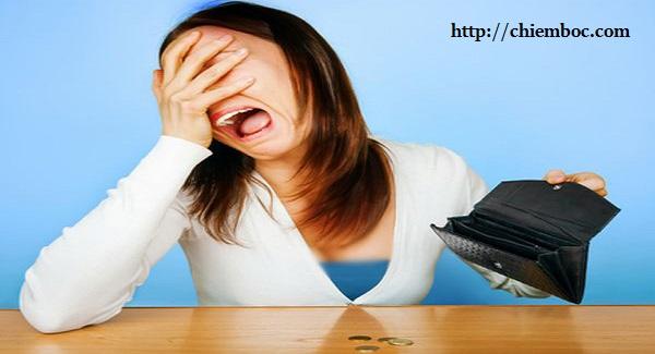 7 thói quen xấu vô tình khiến tiền bạc thất thoát, tán tài tán lộc
