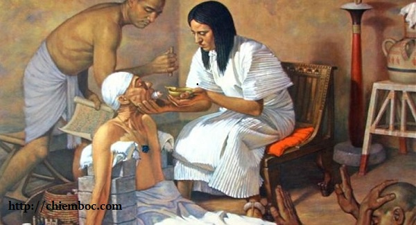 Thầy thuốc chữa cho bệnh nhân nhưng cả đêm lại gặp chuyện xui xẻo, hóa ra đều có an bài