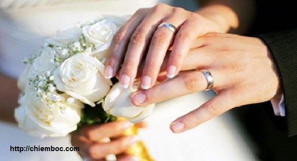Đại kỵ đeo nhẫn cưới khiến vợ chồng luôn lục đục, mẫu thuẫn