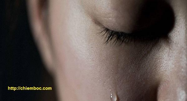 Nằm mơ thấy mình khóc nức nở là điềm báo gì?