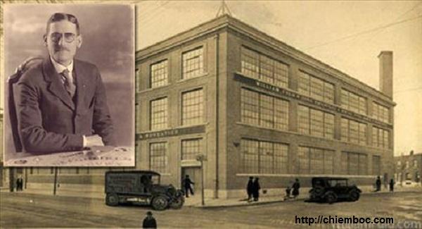 Người sáng chế bàn cầu cơ William Fuld chết thảm