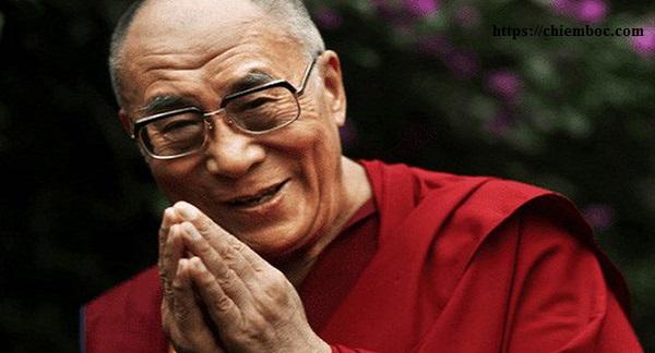 Bí quyết sống khoẻ, sống yêu đời, yêu người từ thói quen không thể thiếu mỗi sáng của Đức Đạt Lai Lạt Ma