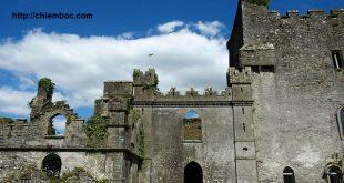 12 lâu đài ma ám đáng sợ trên thế giới